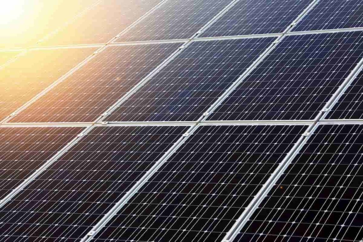Leading Solar Stocks Average ROI Surges to 135% in 6 Months