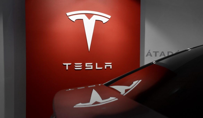 Tesla brand value-TradingPlatforms.com