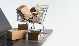 Chinese and US eCommerce revenues in 2021-TradingPlatforms.com